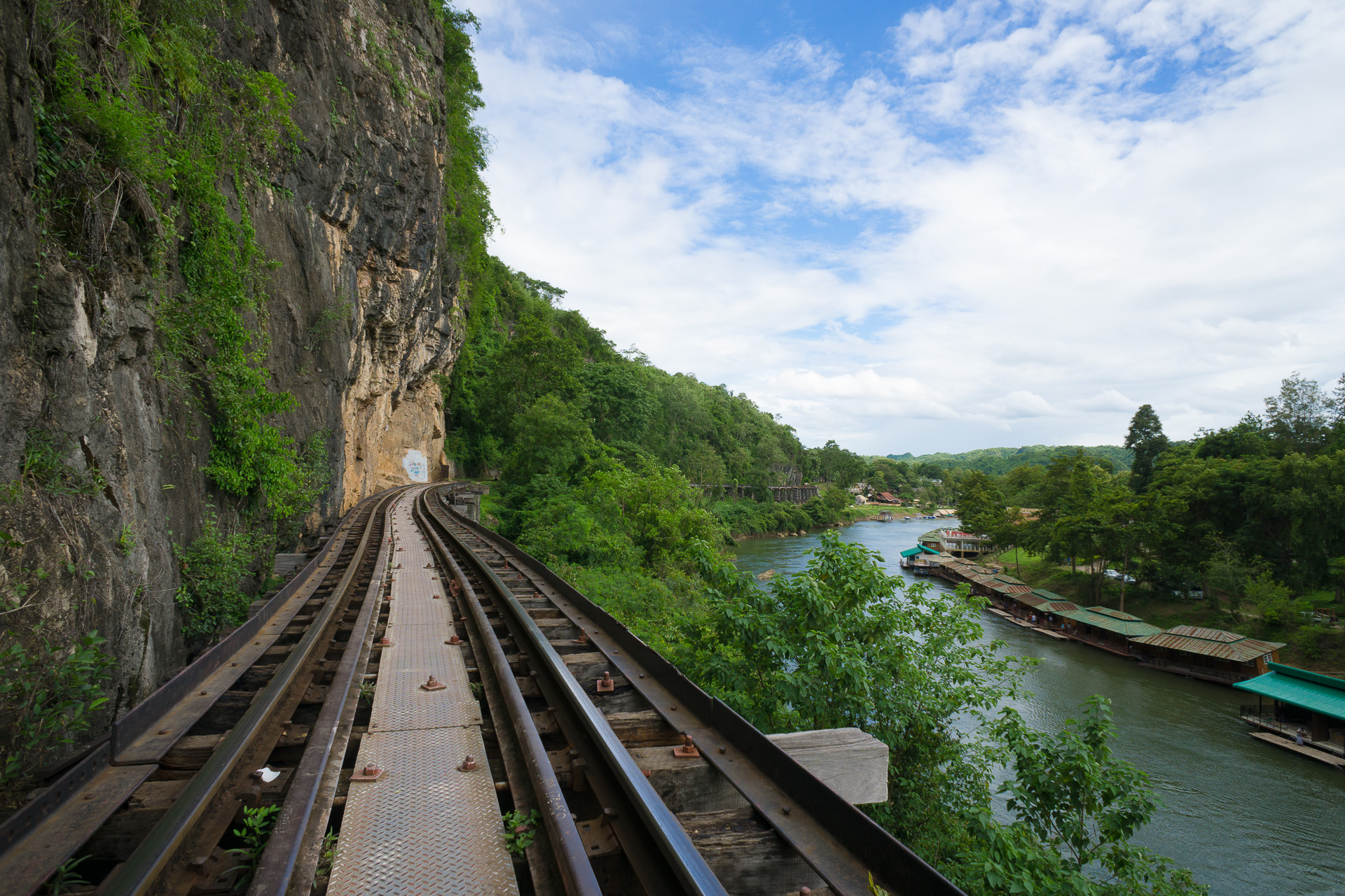 death rail way kanchanaburi